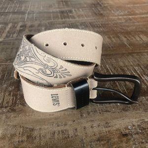 NWOT Levi's canvas & leather belt Small 30-32